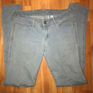 H&M LOW WAIST LIGHT WASH JEANS